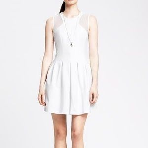 Banana Republiv - White Sleeveless Dress Size 8
